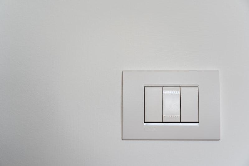Energy-efficient-savings-light-switch